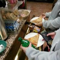 Снимок сделан в Romanelli's Pizza & Italian Eatery пользователем Ken T. 12/27/2013