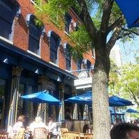 Das Foto wurde bei Pratt Street Ale House von David Olivia W. am 5/1/2013 aufgenommen