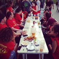 Photo prise au Riverwalk Bar & Grill par Rachel 💩 Z. le6/9/2013