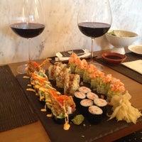 Foto tirada no(a) Yada Sushi por Yigit B. em 6/10/2014