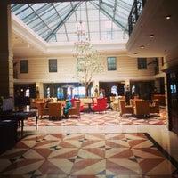 Foto diambil di Kempinski Hotel Moika 22 oleh ♦️🔹V🔹V🔹♦️ pada 6/9/2013