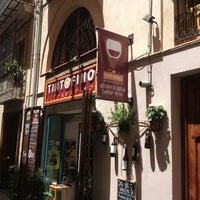 Foto diambil di Tinto Fino Ultramarino oleh Josetpzgz pada 5/18/2013