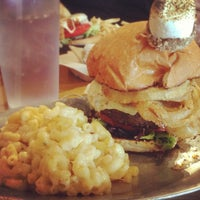 รูปภาพถ่ายที่ Pioneers Western Kitchen โดย Michael R. เมื่อ 1/28/2013