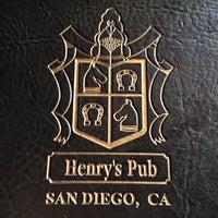 Foto tirada no(a) Henry's Pub & Restaurant por Leslie B. em 4/26/2013