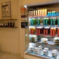 Foto scattata a Magic Mix Juicery da 7th.List il 1/19/2013