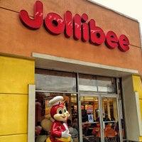 10/11/2013 tarihinde Lian G.ziyaretçi tarafından Jollibee'de çekilen fotoğraf