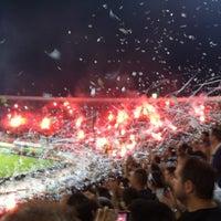 รูปภาพถ่ายที่ Toumba Stadium โดย Panagiotis M. เมื่อ 9/30/2012