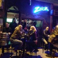รูปภาพถ่ายที่ Zincir Bar โดย Oğuz D. เมื่อ 10/25/2012