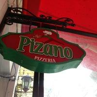 3/9/2013 tarihinde Rahmi Ç.ziyaretçi tarafından Pizano Pizzeria'de çekilen fotoğraf