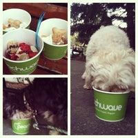 Foto tomada en Peachwave Frozen Yogurt por Andi S. el 9/14/2013
