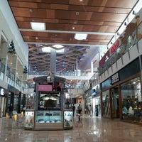 Foto tirada no(a) Mall Multiplaza Pacific por Gilberto C. em 11/20/2012