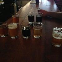 รูปภาพถ่ายที่ TRVE Brewing Co. โดย Charlie H. เมื่อ 5/20/2013