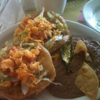 รูปภาพถ่ายที่ El Milagrito Cafe โดย Veronica G. เมื่อ 3/21/2013