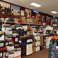 Das Foto wurde bei Georgetown Wines & Spirits von Marie F. am 6/8/2020 aufgenommen
