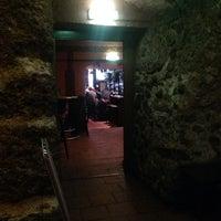 Das Foto wurde bei Shamrock Irish Pub von Mads am 5/28/2014 aufgenommen