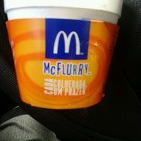 Foto tirada no(a) McDonald's por Andreia G. em 11/5/2012
