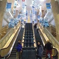Снимок сделан в Water Tower Place пользователем Maricel P. 11/21/2012