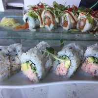 Foto scattata a Amici Sushi da Shawna M. il 7/6/2017