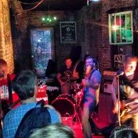 7/28/2013에 Chris A.님이 Ding Dong Lounge에서 찍은 사진