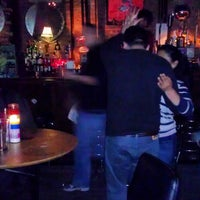 Foto tirada no(a) Ding Dong Lounge por Chris A. em 3/24/2013