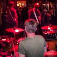 4/7/2013에 Chris A.님이 Ding Dong Lounge에서 찍은 사진