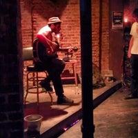 Foto tirada no(a) Ding Dong Lounge por Chris A. em 7/16/2013