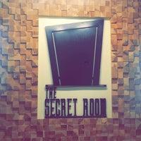 Foto diambil di The Secret Room oleh sarah y. pada 7/15/2017