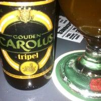 Foto tomada en La Casa de la Cerveza por Wendell W. el 7/14/2013