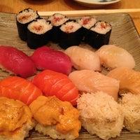 Das Foto wurde bei Sushi Yasuda von Elyse am 4/25/2013 aufgenommen