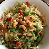 Foto scattata a Juice & Salad da Coco S. il 2/4/2013