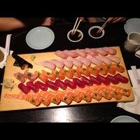 รูปภาพถ่ายที่ Sushi Ota โดย E  O. เมื่อ 11/30/2012