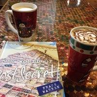 Foto scattata a Felicitous Coffee & Tea House da Jay J. il 12/22/2014