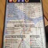 3/24/2013 tarihinde Jordan L.ziyaretçi tarafından Coney Island Pizza'de çekilen fotoğraf