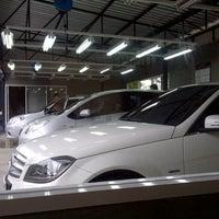 รูปภาพถ่ายที่ Dlux9 โดย nuneung b. เมื่อ 9/16/2012