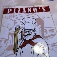 Foto scattata a Pizano's Pizza & Pasta da Mark B. il 11/1/2018