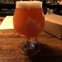 Foto tirada no(a) Old Irving Brewing Co. por Darren G. em 11/3/2018