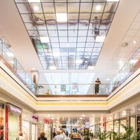 Das Foto wurde bei City-Center Köln-Chorweiler von ece projektmanagement co kg am 5/10/2016 aufgenommen