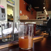 Снимок сделан в Falling Down Beer Company пользователем Nicki P. 10/19/2013