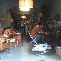 Foto scattata a 2Periodico Cafè da Tessa b. il 9/21/2012