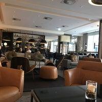 Das Foto wurde bei Steigenberger Hotel Köln von Ziyad A. am 8/16/2018 aufgenommen