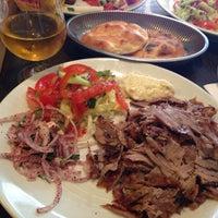 Foto tomada en Hasir Restaurant por Elka Z. el 4/18/2013