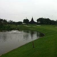 Foto diambil di Pondok Indah Golf & Country Club oleh PerÅke A. pada 4/10/2013