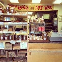 12/3/2013 tarihinde Warren L.ziyaretçi tarafından Arizmendi Bakery'de çekilen fotoğraf