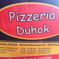 Photo prise au Duhok Pizzeria par Joel D. le6/27/2013