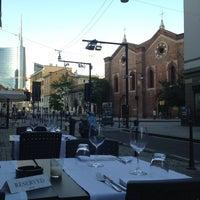 รูปภาพถ่ายที่ Osteria Brunello โดย Tobias W. เมื่อ 6/18/2013