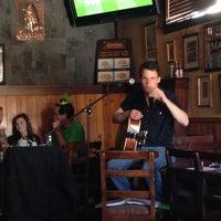 Foto tirada no(a) The Chieftain Irish Pub & Restaurant por Nancy P. em 3/16/2013