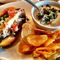 Foto diambil di East Hampton Sandwich Co. oleh Andrew d. pada 11/2/2012