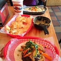 Foto scattata a Torchy's Tacos da Simon W. il 7/18/2013