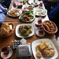Foto tirada no(a) Dilek Pastanesi por Nazlıcan Y. em 10/30/2012