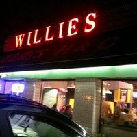 Das Foto wurde bei Willie's Burgers von Arturo C. am 12/9/2012 aufgenommen